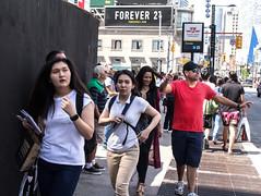 Forever 21 (klauslang99) Tags: klauslang streetphotography toronto people