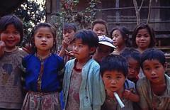Nong Khiaw, curious kids (blauepics) Tags: southeast asia südostasien laos lao nambak nong khiaw village dorf kids children kinder boys jungs girls mädchen curious neugierig faces gesichter young jung