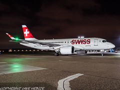 Swiss HB-JBI HAJ at Night (U. Heinze) Tags: aircraft airlines airways airplane planespotting plane flugzeug haj hannoverlangenhagenairporthaj eddv deutschland germany night nightshot olympus omd em1markii 12100mm