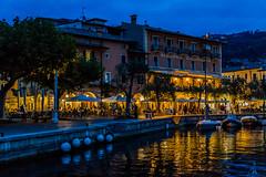 Italia / Italy / Italien: Torri del Benaco (CBrug) Tags: italia lagodigarda gardasee hafen harbour wasser water spiegelung reflection abend evening blauestunde bluehour