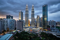 The Petronas Towers (fredMin) Tags: zeiss xt2 malaysia kualalumpur skyline sky travel fuji fujifilm