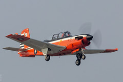 Beech T-34C-1 Turbo Mentor RoCAF 3423 / 84023 on final approach at Gangshan AFB (Jeroen.B) Tags: 2019 roc rocaf republicofchina taiwan 中華民國空軍 beech t34c1 t34 t34c turbo mentor 3423 84023 gp29 gangshan afb rcay flight academy