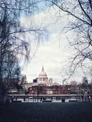 Looking out to St Paul's … (marc.barrot) Tags: riverthames building church x100f landmark urbanlandscape uk se1 bankside london southwark thamespath tatemodern stpaul'scathedral