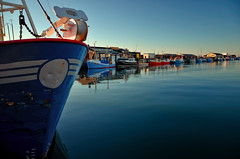 Hirtshals (Massimo Frasson) Tags: kodak kodakelitechromeextracolor danimarca denmark danemark danmark jutland jylland jütland regionnordjylland jutlandsettentrionale hirtshals città porto imbarcazione barca battello nave boat port mare sea cielo azzurro blu marina tramonto peschereccio scafo