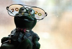 2020 year of the rat... (jrmcmellen) Tags: smilesforsaturday 2020 glasses frog statue