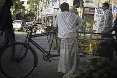 Happy 2020 (Renate Bomm) Tags: renatebomm samyangaf35mm smileonsaturday sonyalpha6000 india happynewyear2020 2020 newyear indien men männer inder fahrrad