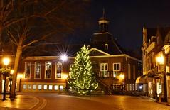 Vlaardingen, stadhuis (Hugo Sluimer) Tags: vlaardingen nacht nachtfotograaf nachtfotografie nachtfoto vlaardingem zuidholland holland nederland nikon nikond500 d500 avondfotografie nightphoto