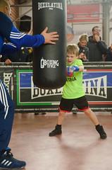 47167 - Bag (Diego Rosato) Tags: boxe boxing pugilato boxelatina criterium giovanile young little boxer piccolo pugile nikon d700 tamron 2470mm rawtherapee maestro master sacco bag hook gancio