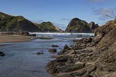 Piha (fantommst) Tags: nz newzealand piha beach tasman ocean lions rock auckland west coast seascape sea popular tide base