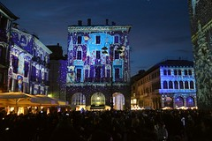 "Como, il ""Magic Light Festival"" in piazza del Duomo (Valerio_D offline until 20th February 2020) Tags: como comocittàdeibalocchi magiclightfestival lombardia italia italy 20192020inverno 1001nightsthenew 1001nightsthenewmagiccity"