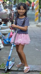 cute girl with a foot scooter (the foreign photographer - ฝรั่งถ่) Tags: oct242015nikon cute girl child foot scooter street khlong lard phrao portraits bangkhen bangkok thailand nikon d3200 asiafavorites happyplanet