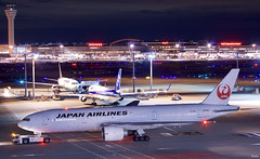 ボーイング777−200 Boeing 777-200 (ELCAN KE-7A) Tags: 日本 japan 東京 tokyo 羽田 haneda 国際 空港 international airportl 飛行機 航空機 airplane airline 国際線 ターミナル terminal 日本航空 日航 jal jl airlines ボーイング boeing 777 200 b777 ペンタックス pentax k3ⅱ 2019