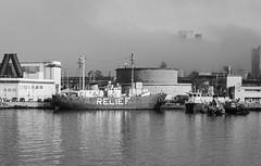 Port of Oakland (AstridWestvang) Tags: bay boat building crane fog industry usa oakland