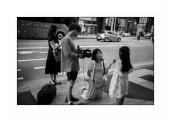 Tokyo - Ginza (Punkrocker*) Tags: leica m7 summicron asph 35mm 352 film kodak trix 400 nb bwfp bnw monochrome street city people tokyo ginza japan japon nihon nippon travel