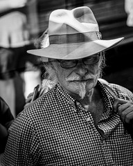 Stay cool (Chris (a.k.a. MoiVous)) Tags: streetphotography adelaidecbd streetlife commuters