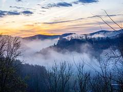 Neideck (in explore) (wolfgangstreit) Tags: burg burgruine neideck franken fränkischeschweiz oberfranken bayern deutschland wiesenttal nebel morgenlicht morgen
