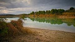Calma (pascual 53) Tags: largaexposicion colores calma laguna navarra canon eos5ds 21mm reflejos tamarices ocaso