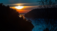 One of the last sunsets of the year (Thor Edvardsen) Tags: sunset sun winter fjord singlefjorden norway sea ocean seaview seascape norge canon canon5dsr ef70200mmf28lisiiusm ef2470mmf28liiusm