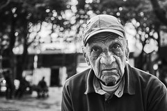 Mann (rainerneumann831) Tags: bw blackandwhite street strase streetphotography candid strasenfotografie monochrome urban ©rainerneumann riodejaneiro mann portrait