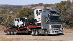 Hume Lows (1 of 2) (Jungle Jack Movements (ferroequinologist) all righ) Tags: prixcar volvo fh 640 lane transport killarney step deck vehicle low loader drive mack 600 superliner bulldog yass nsw new south wales jerrawa australia hume highway freeway haulage hp horsepower big rig haul freight cabover trucker delivery bulk lorry hgv wagon road nose semi deliver cargo load freighter ship move roll motor engine power teamster truck tractor prime mover diesel injected driver cab beast wheel double b grunt manton globetrotter