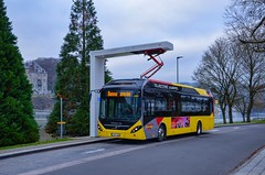 Namur : Bonne année ! Que 2020 soit une année pleine de réussites pour vous, tous mes vœux vous accompagnent. (31.12.2019) (thomas_chaffaut) Tags: namur belgique tec volvo 7900eh electric hybrid bus abb charge happynewyear bonneannée 2020
