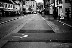 Follow me (Leica M6) (stefankamert) Tags: film analog kodak trix analogue grain arrow street blur blurry freising stefankamert leica m6 leicam6 summitar noir noiretblanc blackandwhite blackwhite bw city tones mood 122019