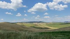 Wolkenstimmung (renate.marquardt) Tags: italien felder landschaft toskana 2019 wolken vald´orica italy clouds landscapes italia tuscany toscana
