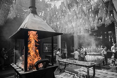 IMG_9885 (froetter) Tags: indochina sw black white schwarz weis people street vietnam kambotscha single color