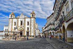 Evora, Praca do Giraldo (Jocelyn777) Tags: architecture buildings streets cathedral church monuments fountain arches citycentres evora alentejo portugal travel