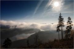 Der Himmel strahlt (linke64) Tags: thüringen deutschland germany natur landschaft himmel wolken wolkenhimmel wald wasser stausee see bäume baum sonne gegenlicht berge berg hohenwartestausee nebel elitegalleryaoi bestcapturesaoi aoi