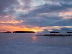 Joensuu - Finland (Sami Niemeläinen (instagram: santtujns)) Tags: joensuu suomi finland pyhäselkä lake järvi talvi winter pohjoiskarjala north karelia luonto nature sunset auringonlasku koivuniemi