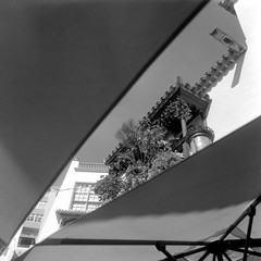Balcony (ucn) Tags: lapalma weltaweltax canarias kanarischeinseln santacruz tessar75mmf35 ilfordhp5400 agfastudional