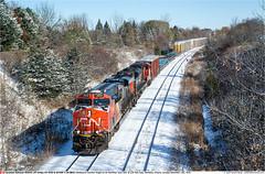CN2926_8842GB_MarkhamON_121119 (Catcliffe Demon) Tags: cn canada railways ontario canadiannational diesellocomotive canadarailimages2019 railroading cnyorksub trains manifest generalelectric ge gevo es44ac sd70m2