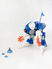Icy Investigator (Ballom Nom Nom) Tags: bionicle lego ccbs herofactory ice iceplanet iceplanet2002 drone saws skis flag cyclops