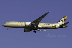 A6-BLM B789 ETIHAD AIRWAYS YBBN (Sierra Delta Aviation) Tags: etihad airways brisbane airport ybbn boeing b789 a6blm