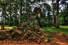 Siem Reap K - Angkor wat gate house 04 (Daniel Mennerich) Tags: siemreap cambodia khmer angkor canon dslr eos hdr hdri spiegelreflexkamera slr