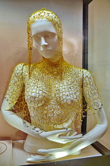 Sensuality in golden chains (gerard eder) Tags: world travel reise viajes europa europe italy italia italien toscana toskana tuscany firenze florence florenz florencia museum museo palazzopitti statues escultura sculpture skulptur art arte women