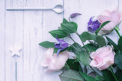 1/52: A brand new start... (judi may) Tags: 20205212challenge 100xthe2020edition 100x2020 image1100 100flowers2020 flatlay stilllife highkey tabletopphotography flowers floral star spoon silver roses pinkroses pink freddiesflowers canon5d 50mm