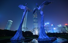 Shanghai - Lujiazui Angels (cnmark) Tags: china shanghai pudong lujiazui centralgreenarea angel engel 天使 statues world financial center swfc jin mao modern architecture skyscraper tall tallest building buildings tower towers blue sky night light wolkenkratzer gratteciel grattacielo rascacielo arranhacéu nacht nachtaufnahme noche nuit notte noite gebäude 陆家嘴中心绿地 金茂大厦 上海环球金融中心 中国 上海 浦东 陆家嘴 摩天大楼 ©allrightsreserved