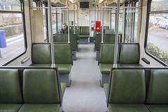 Mosgroene Bonner bankjes (Tim Boric) Tags: bonn stadtbahn b interieur interiour interior