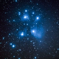 Les Pléiades - M45 (Gwenael B) Tags: m45 deepsky nikond7500 sigma100400 skyatnight skyadventurer skywatcher stacked pleiades amasdétoiles starcluster astro astrophotography spaceweather space universe cosmic