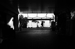 京橋/大阪 (nagacchi13) Tags: grii ricoh monochrome blackandwhite osaka japan streetsnap streetphotography street