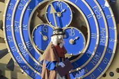 The man behind the clock (marinadelcastell) Tags: flickrfriday ontime clock clockmaker portrait time mask costume magic wallclock clockface dial calendar horloge uhr orologio reloj rellotge porträt ritratto retrato retrat