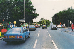A27, Worthing old postcard late 1980s (Spottedlaurel) Tags: ford sierrabase d107urr nissan bluebird t72 a27actiongroup worthing oldpostcard 1980s