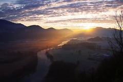 Alba sul fiume Adda. (stefano.chiarato) Tags: alba sunrise fiumeadda sole nuvole paesaggio landscape pentax pentaxk70 pentaxlife pentaxflickraward