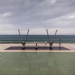 Showers (Julio López Saguar) Tags: segundo juliolópezsaguar par pair calle street ciudad city doble double dos two samil playa beach vigo galicia españa spain duchas showers