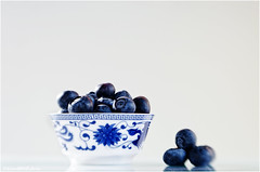 blueberries (sure2talk) Tags: blueberries onwhite fruit healthyeating somethinghealthy definitelydreaming 152 ansh ansh10120fresh scavenger20 lensbaby lensbabycomposerpro sweet50optic lensbabylove 120picturesin202012berries