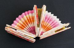 """Jacob's Ladder pink yellow orange and white """"fans"""" (Monceau) Tags: vintage toy colorful handmade jacobsladder shirokasamatsu delicate odc 5366 day5366 3662020 366the2020edition 05jan2020 macro paper cardboard whimsical"""