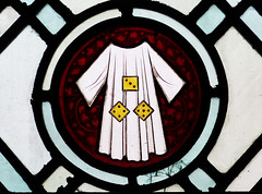 Dice and Holy Robe / Disiau a Gŵn Santaidd - Sacred Heart, Blackpool (Rhisiart Hincks) Tags: •blackpool sirgaerhirfryn fyldecoast lancashire lloegr powsows england sasana brosaoz ingalaterra angleterre inghilterra anglaterra 英国 angletèrra sasainn انجلتــرا anglie ngilandi fylde holidayresort eu ue window ffenestr beirate gwerlivet vitrailh prenestr uinneagdhathte gwydrlliw gwerliv stainedglass fuinneogdhaite sacredheart ewrop europe eòrpa europa blackpool cyrchfangwyliau eglwys iliz eliza eaglais eglos church glèisa església église biserică chiesa iglesia kirche церковь kirik ažnyčia dice dis disiau seamlessrobe céasadhchríost crochadhchríost ycroeshoeliad crucifixion beibl biblia bibl bible bìoball symboliaeth symbolism siombalachas