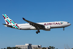 EI-GGN AIR ITALY AIRBUS A330-200 (AM Photography Alfonso M) Tags: amphotography amphoptography alfonsomartinez amazing airplanes planes planespotting photography plane eiggn air italy airbus a330200